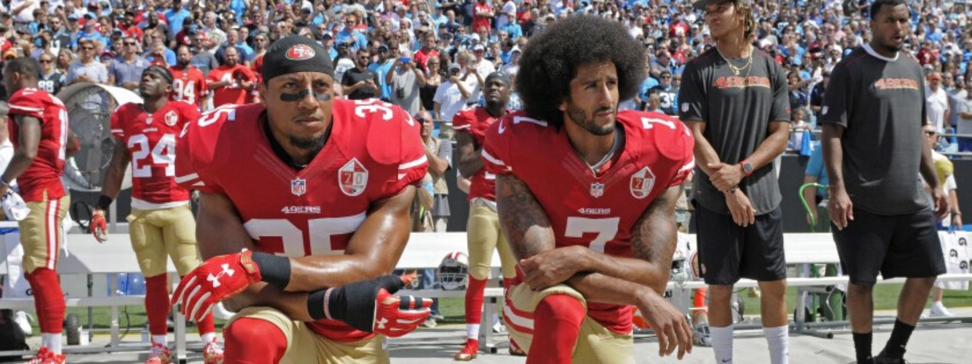 Colin Kaepernick kneeling to protest police brutality
